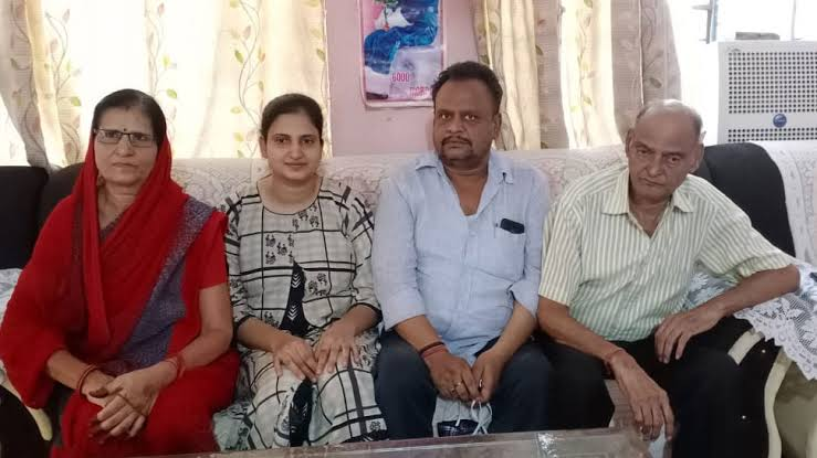 Pratibha Aggarwal with her parents