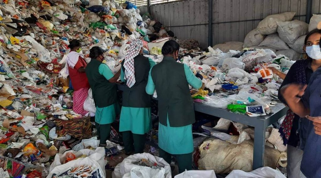 Keral government to buy plastic waste