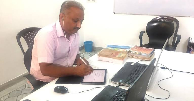 This maths teacher from Punjab is conducting free online classes