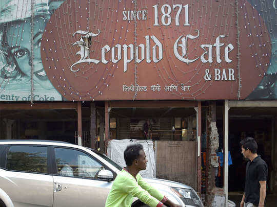 Know about oldest restaurants of India where quality of food is still unchanged