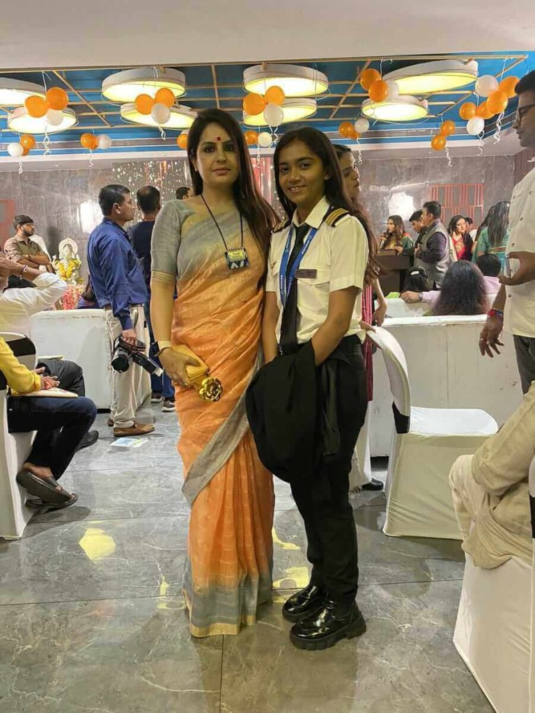 Matri patel becomes youngest commercial pilot of india
